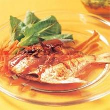 ปลาจาระเม็ดซอสมะขาม