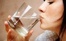 นํ้าสะอาด ช่วยอาการผิวขาดน้ำ
