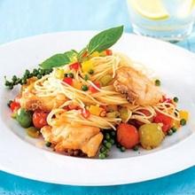 พาสต้าปลาทอดพริกไทยอ่อน