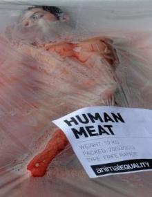 เปลี่ยนคน ให้เป็นเนื้อสัตว์เเพ็คโฟม วิธีประท้วงเจ๋งๆที่สเปน