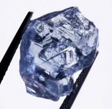 พบเพชรสีน้ำเงินเม็ดเขื่องจากเหมืองในแอฟริกาใต้ คาดขาย 300ล.