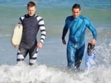 ออสเตรเลียเผยโฉมชุดดำน้ำกันฉลาม