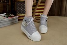 แฟชั่นรองเท้าผ้าใบ แบบส้นเตารีด