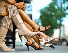 20 วิธีช่วยให้ใส่รองเท้าสบายขึ้น