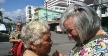 ซึ้ง...แหม่มอังกฤษตามหาแม่คนไทยจนเจอ หลังพลัดพรากจากกัน 54 ปี