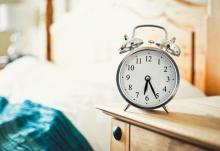 โยคะยามเช้าบนเตียง 10 นาทีเพื่อการตื่นอย่างสดชื่นพร้อมลุยงาน