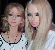 ขุ่นพระ!!! ครอบครัวนี้มีรูปร่างหน้าตาเหมือนกับ ตุ๊กตาบาร์บี้ กันทั้งบ้าน!??