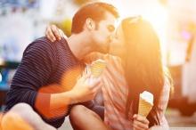 17 ประเภทของการจูบที่โรแมนติกสุดๆ