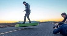 จัดว่าล้ำ!! Hoverboard บินได้ 6 นาที ราคากว่า 7 แสนบาท
