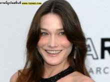 Carla Bruni จากนางแบบสู่สตรีหมายเลขหนึ่งของฝรั่งเศส