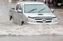 วิธีขับรถขณะน้ำท่วม