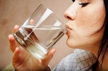 ทำไมคนเราต้องดื่มน้ำ
