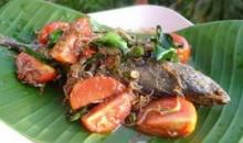 ปลาทูเค็มหอมทอดสมุนไพร