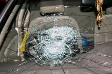 ทำอย่างไรเมื่อกระจกหน้ารถยนต์แตก
