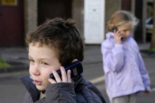 หมายเลขโทรศัพท์ที่ควรอยู่ในมือเด็ก