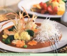 ราดหน้าน้ำพริกแกงเผ็ด