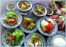 จูงมือคุณแม่ทานอาหารไทย เพื่อสุขภาพ