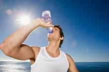 ผู้เชี่ยวชาญเตือน!! .. ดื่มน้ำเยอะอาจถึงตาย