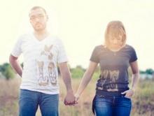 จงรักกันและกัน แต่อย่าสร้างพันธะแห่งรัก
