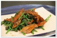 ยอดมะระหวานผัดปลาสลิด