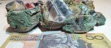 รู้ไหมว่า ถ้าซ่อนเงินในไมโครเวฟ แล้วจะเป็นไง ?
