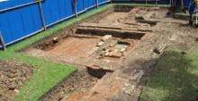 กรมศิลป์ขุดวังหน้าพบกำแพงโบราณอายุ 230 ปี
