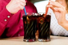 ดื่มน้ำอัดลมเพิ่มวันละกระป๋อง เสี่ยงป่วยเบาหวานเพิ่มขึ้น 22%