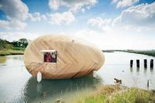 Exbury Egg ห้องทำงานลอยน้ำ พลังงานแสงอาทิตย์