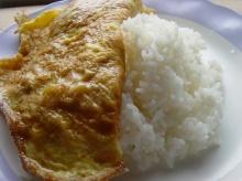ถนนข้าวสาร ชูข้าวไข่เจียว ดึงคนเที่ยวช่วงสงกรานต์