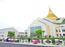 เปิดวัดไทยใหญ่ที่สุดในโลกถวายในหลวง