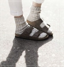 BIRKENSTOCK STYLE ใส่รองเท้าแตะก็ดูเป็นสาวแฟชั่นได้นะเธอ!