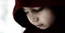 ครูตีลูก เพราะไม่รู้ชื่อพ่อ! แม่สุดเศร้า เพราะถูกเขาทิ้งไปตั้งแต่ลูกยังไม่ลืมตา