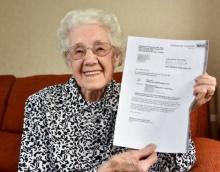 คุณทวดอายุ 99 ปีถึงกับอึ้ง!! เมื่อได้รับจดหมายจากรพ.บอกว่ากำลังตั้งครรภ์ !??