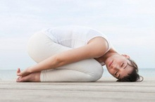 6 ท่าโยคะเพื่อช่วยในการนอนหลับสบาย