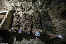 นักโบราณคดีชาวอียิปต์!! ค้นพบสุสานอายุประมาณ 2000 ปี ที่เก็บมัมมี่ชนชั้นสูงมากถึง 17 ตัว!!