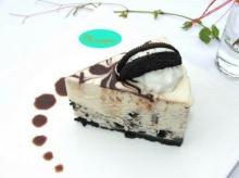 เค้กไวต์ ช็อกโกแลต โอรีโอ (White Chocolate Oreo Cake)