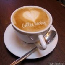 ลมพัดผ่านร้านกาแฟ......