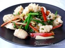 ปลาหมึกผัดพริกไทยอ่อน