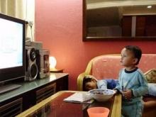 เด็กชอบดูทีวีเสี่ยงพัฒนาการ-สุขภาพแย่