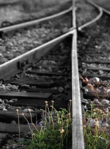รางรถไฟกับการตัดสินใจ