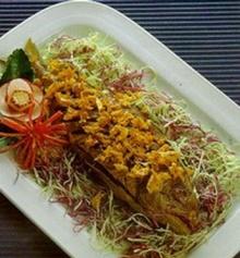 ข้าวหน้าปลาทูน่า