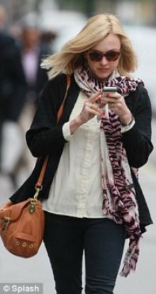 โทรศัพท์มือถือทำให้คุณหลังค่อมจริงหรือ