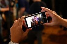ประชัน 5 เทพแห่งกล้องมือถือประจำปี 2012 ในที่แสงน้อย