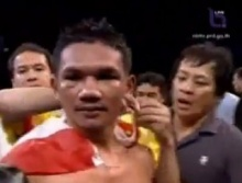 รู้จัก ผึ้งหลวง ส.สิงห์อยู่ นักชกหมัดเหล็กแชมป์โลกคนที่ 46 ของไทย