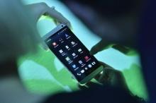 ตรวจแถวสมาร์ทโฟนครึ่งปีหลัง ไฮเอนด์ จุดพลุแข่งทะลุเดือด