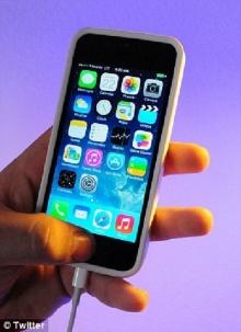 ผู้ใช้ไอโฟนร้องจ๊าก รุมโวยแอปเปิลแย่ ให้โหลดระบบปฎิบัติการ iOS7.1 สูบแบตเยอะมาก-ทำข้อมูลหาย