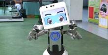 """รู้จักกับ """"ดินสอมินิ"""" หุ่นยนต์ดูแลคนแก่ สร้างโดยคนไทย เตรียมส่งไปญี่ปุ่น!!"""