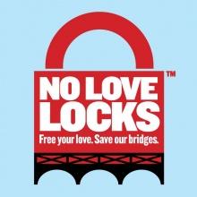ปารีสรณรงค์ No Love Lock เลิกคล้องกุญแจรักบนสะพาน