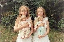 ภาพถ่าย สาวแฝด สุดหลอน!