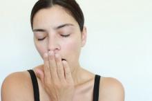 เคล็ดลับการแต่งหน้าในยามที่คุณป่วยหรือเหน็ดเหนื่อยเมื่อยล้า